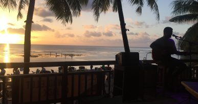 Guam: live music in BeachBar