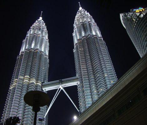 Malaysia: Petronas towers view